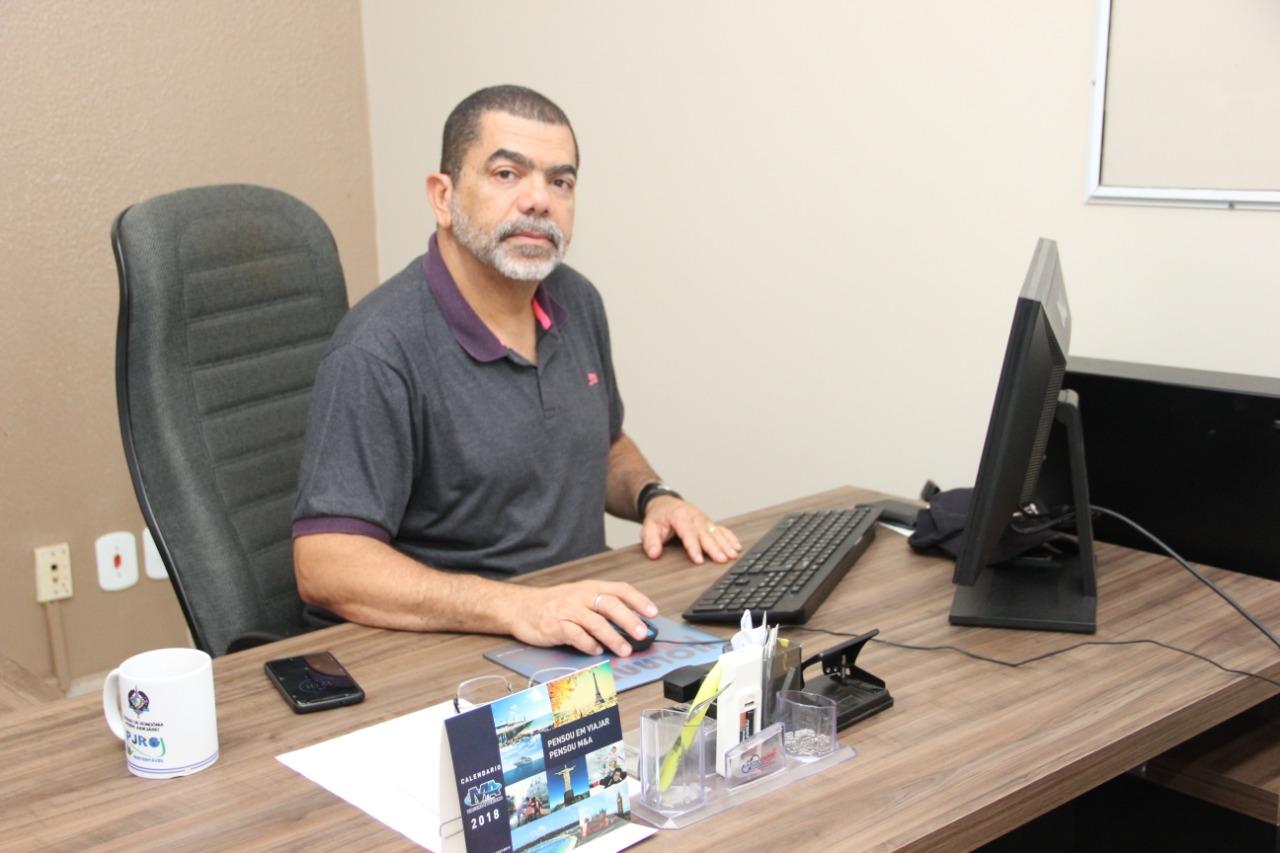 Ricardo Paraízo se aposenta e colegas de trabalho prestam homenagem em forma de agradecimento